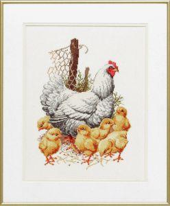 Borduurpakket kip met kuikens op de boerderij.
