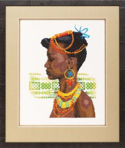 Borduurpakket prachtige afrikaanse dame.